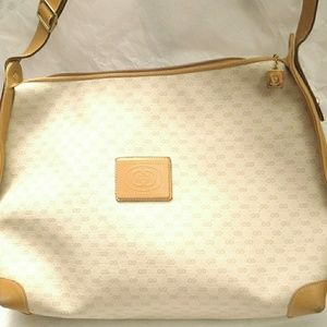 53bf062d1c98 Women s Gucci Signature Fabric Shoulder Bag on Poshmark
